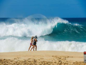 Grosse vague avec du courant