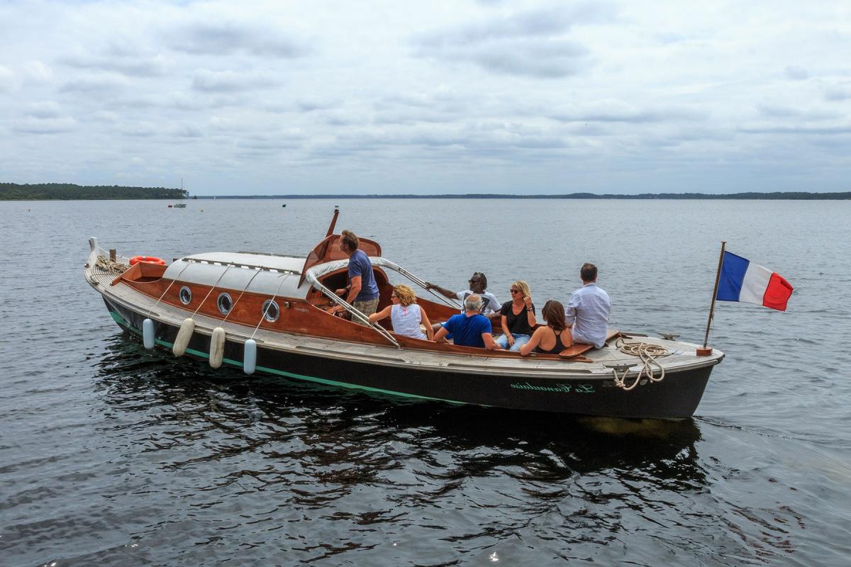Balade en bateau sur le lac de Lacanau