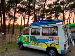 Bus de l'école de surf Magic Surf School