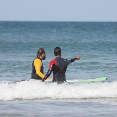Conseils du prof de surf à son stagiaire