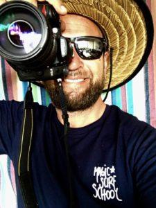 portrait d'un photographe de surf à lacanau